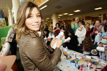 Jessica Biel at the make a Difference Network Holiday Party
