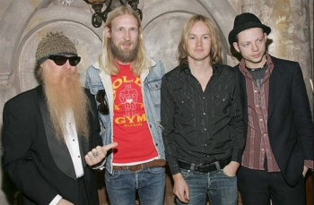 ZZ-Top-performs-at-Flaunt-Magazine-Oscar-Party